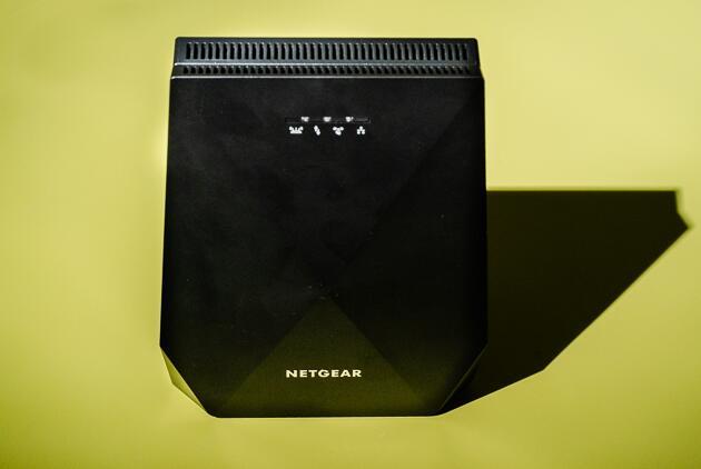 Netgear EX7700